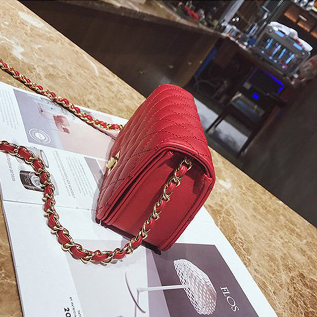 Women Bag Female Handbags Leather Over Shoulder Bag Crossbody Quilted Chain Diamond Red Small Flap Lock Fashion Sling Lady Bags 2