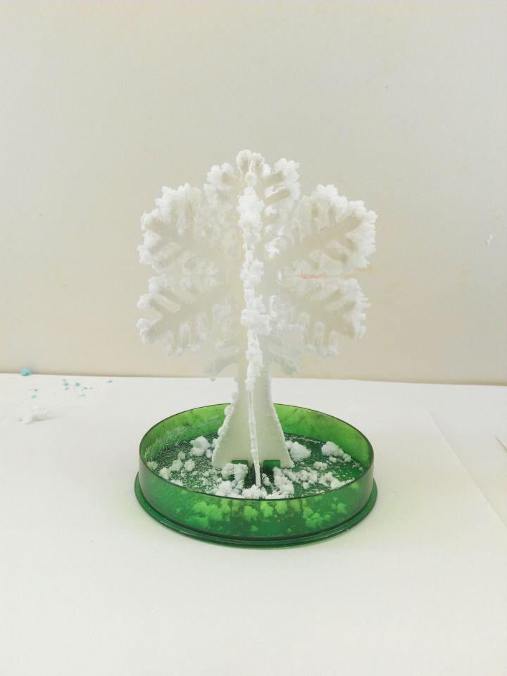 2017 12x8 cm Caliente Blanco Mágico Árbol de Copo de nieve de Papel - Nuevos juguetes y juegos - foto 1