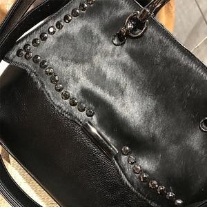 Image 2 - Natural cavalo cabelo bolsa feminina de luxo estilo rua rebite preto crossbody saco para mulheres designer de couro do plutônio superior alça
