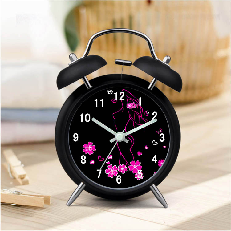 2018 Hot SellingTable Alarm Clock Modern Design lMetal Desk Clock Quartz Luminova Wake Up Light Despertador Reloj Madera