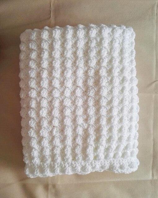 Blanco hecho a mano extra grueso crochet manta de Bebé/chal. Ideal ...