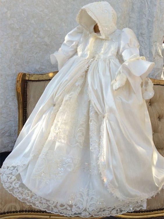 цена  ON SALE Gorgeous Custom Baptism Gown 0-24month Ivory Christening Dress Robe Baby Girl Baby Boy Lace Applique WITH BONNET  онлайн в 2017 году