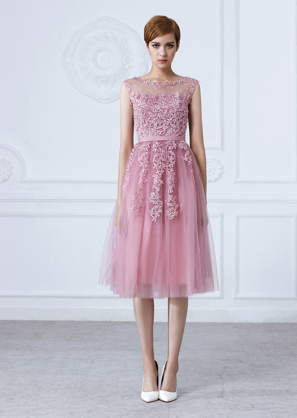 Tulle Lace Appliques Zipper Back A-line Pearls Beading Short Bridesmaid Dress
