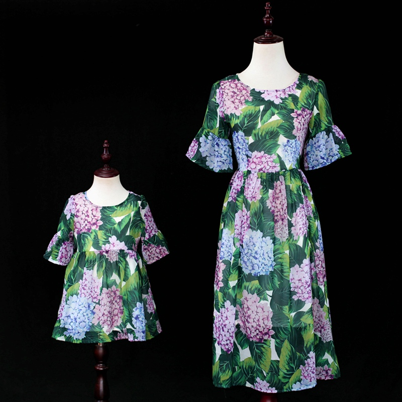 Mommy and Me Fashion Dresses Floral Beach Mother Daughter Dresses Aiqingsha 2019 Summer Family Matching Outfits