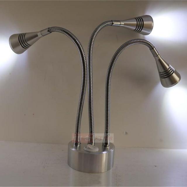 Batería recargable de la lámpara LED vitrina móvil inalámbrica de boda Lámpara del Camino lámpara de exposición Exposición tienda de celosía