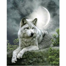 FULL drill diamond 5D  embroidery animal DIY Painting wolf under the moon picture mosaic cross stitch
