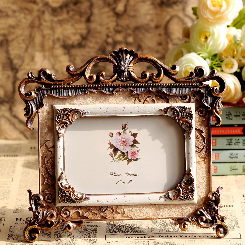 Royal Wedding Gifts: Retro Style Craving Rose Resin Photo Frame Picture Frame