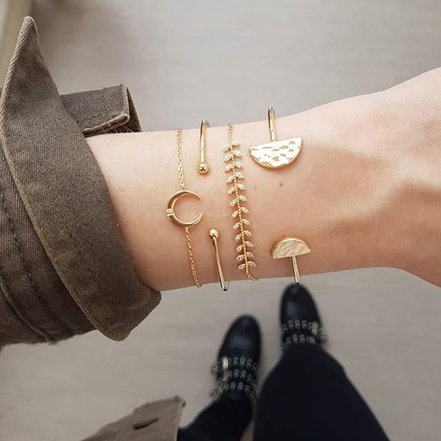 Golden Moon Semicircle Bracelet