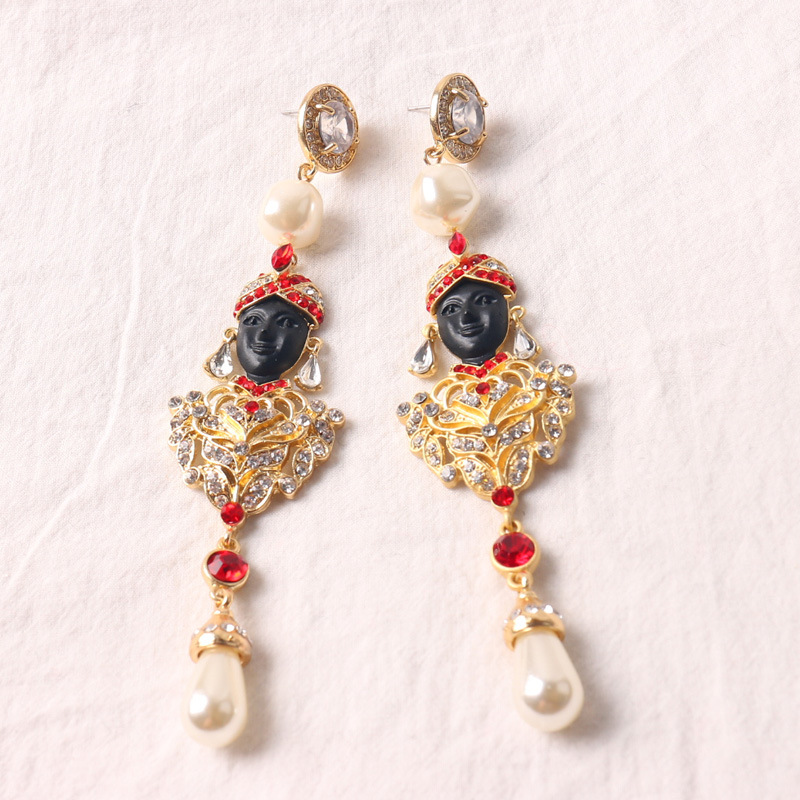 Fashion Goats Face Long Section Temperament Pearls Full Of Drunk Thigh Earrings Temper Earrings  Female  742