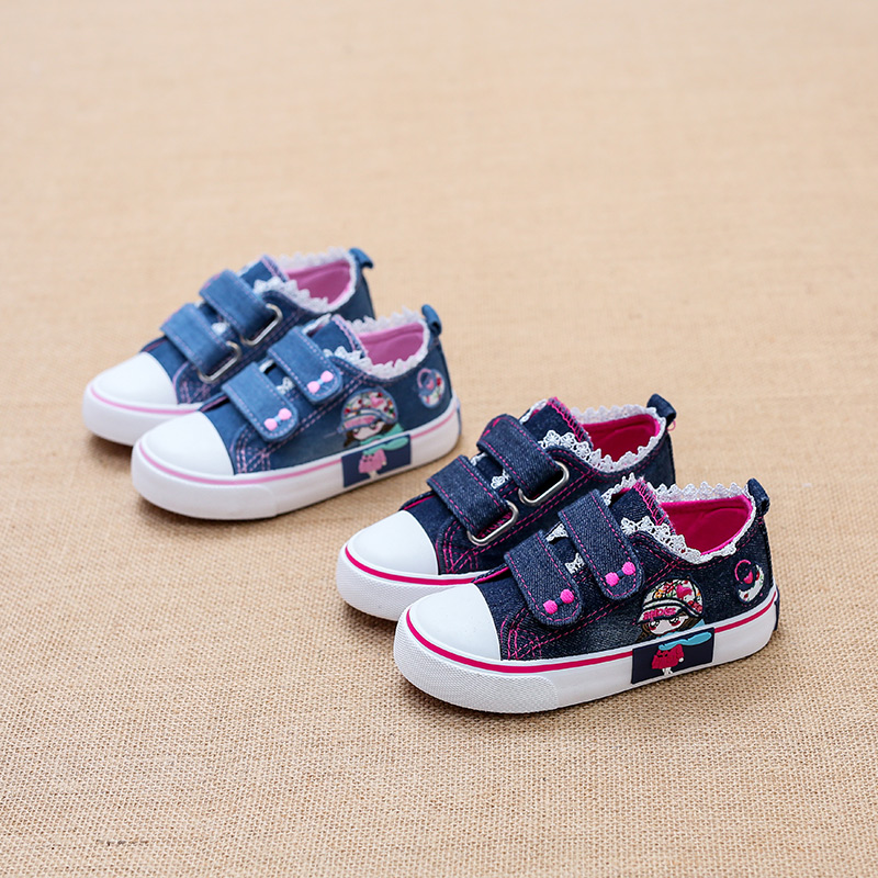 2017 Children canvas shoes low girl Princes Sneakers denim Hand Painted Cartoon sports shoes toddle infantil infant School Shoes baby girl prewalker shoes infant girl mikey sneakers mouse flower pink soft sole pram shoes sapato infantil menina zapatos bebes