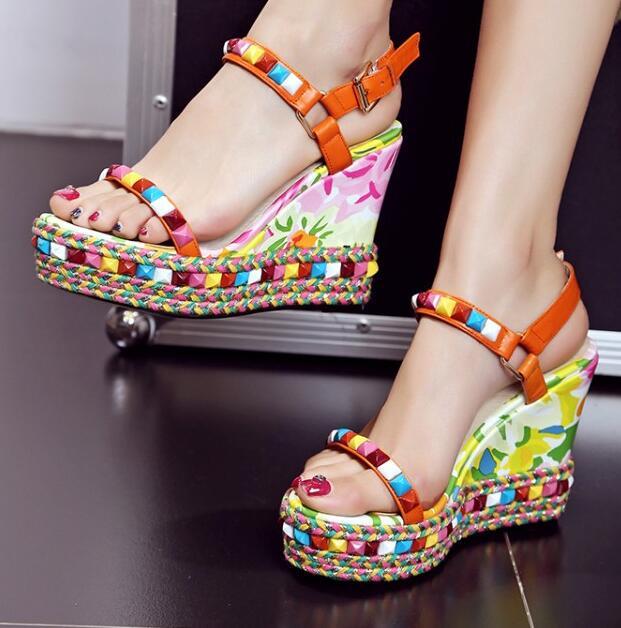 ФОТО Women 2016 Summer New Arrival Multicolour Rivets Fashion Sandals Wedges High Heel Trifle Waterproof Taiwan  Sweet Sandals