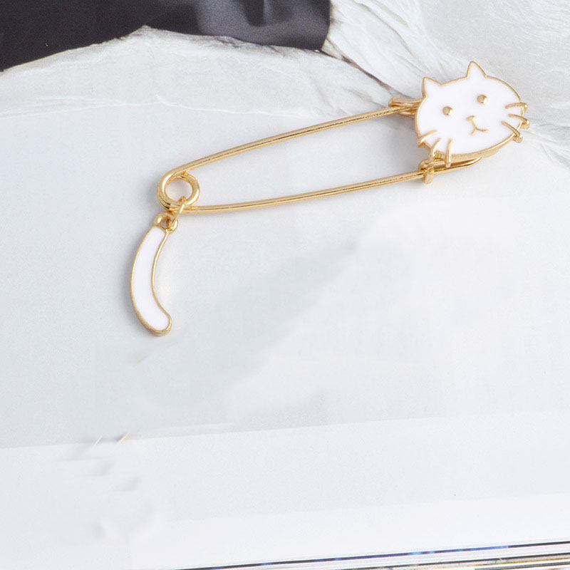 2pcs Gold Tone Kilt Pin Animal Cat Brooches Large Safety Pin Brooch Denim coat Lapel Pin Badge Cute Cartoon Animal Jewelry Gift in Brooches from Jewelry Accessories