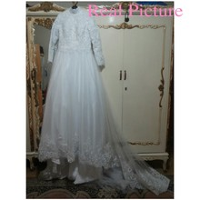 Arabic Muslim Beautiful Long Sleeve Hijab Wedding Dress with Veil Lace Applique Vestido De Noiva