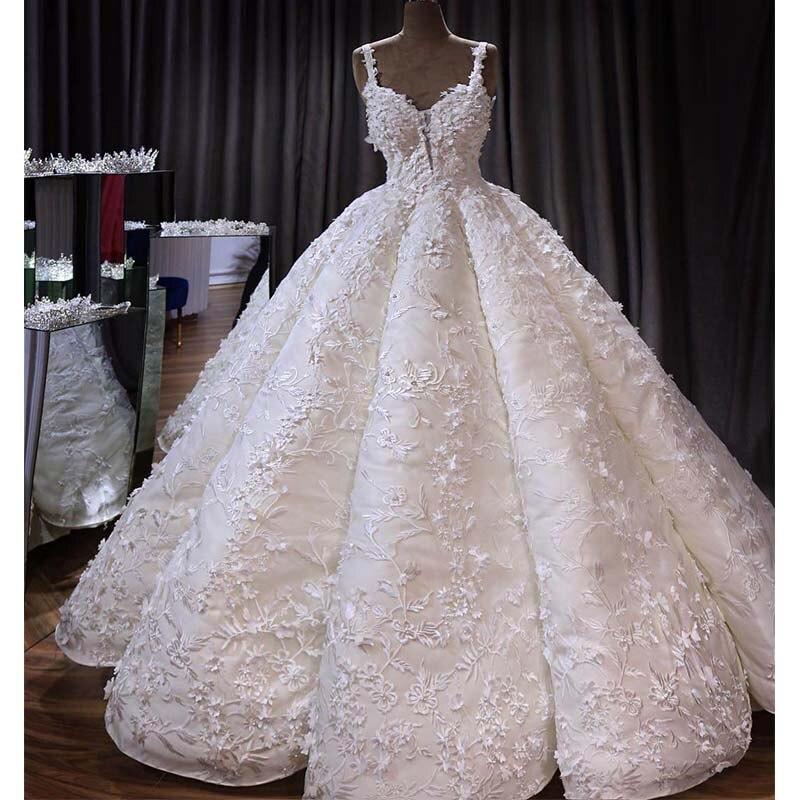 Vestido De Novia Gorgeous Dubai Wedding Dress 2019 Sexy V-Neck 3D Lace Floral Appliques Ball Gown Bridal Dresses