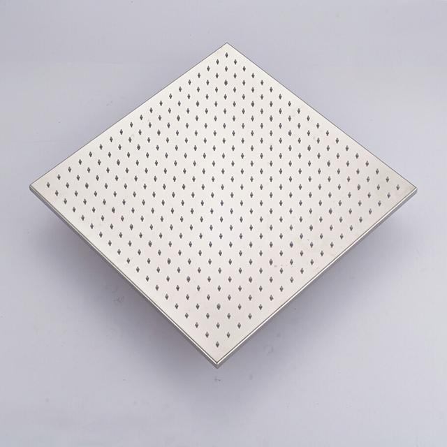 Moderní velký stropní sprchový systém s LED podsvícením a ruční sprchovou hlavicí