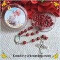 Frete grátis perfumista rose red beads colar rosário católica, centro de papa & plastic caso santo rosário religioso com cruz