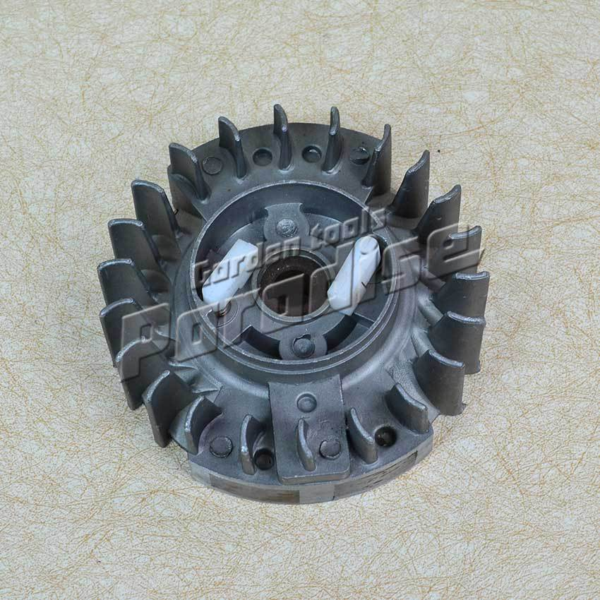 5800 Chainsaw Flywheel with Plastic Pawl for Chain Saw spare parts use free shipping chain sprocket cover assy for chainsaw 61 262 266 268 272 free shipping partner chain brake parts 503 73 66 01