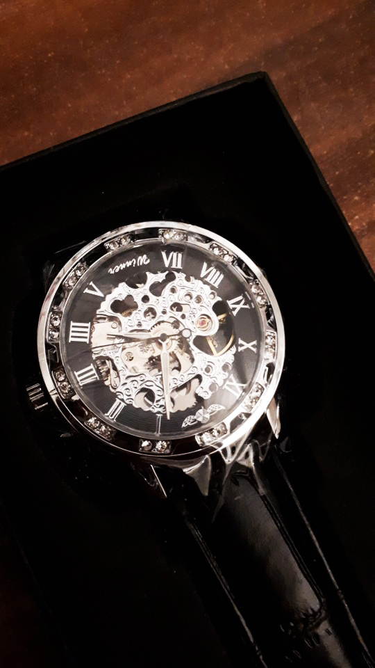 HTB1jQVvaynrK1Rjy1Xcq6yeDVXai Winner Black Golden Retro Luminous Hands Fashion Diamond Display Mens Mechanical Skeleton Wrist Watches Top Brand Luxury Clock