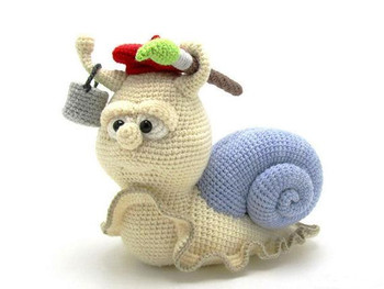 crochet toys  amigurumi  snail  model number b0126