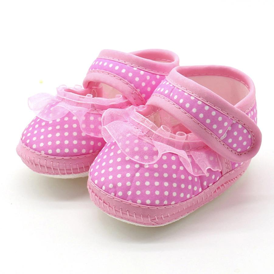 2018 New Hot Cute Newborn Infant Baby Dot Lace Girls Soft Sole Prewalker Warm Casual Flats Shoes High Quality Lovely Gift