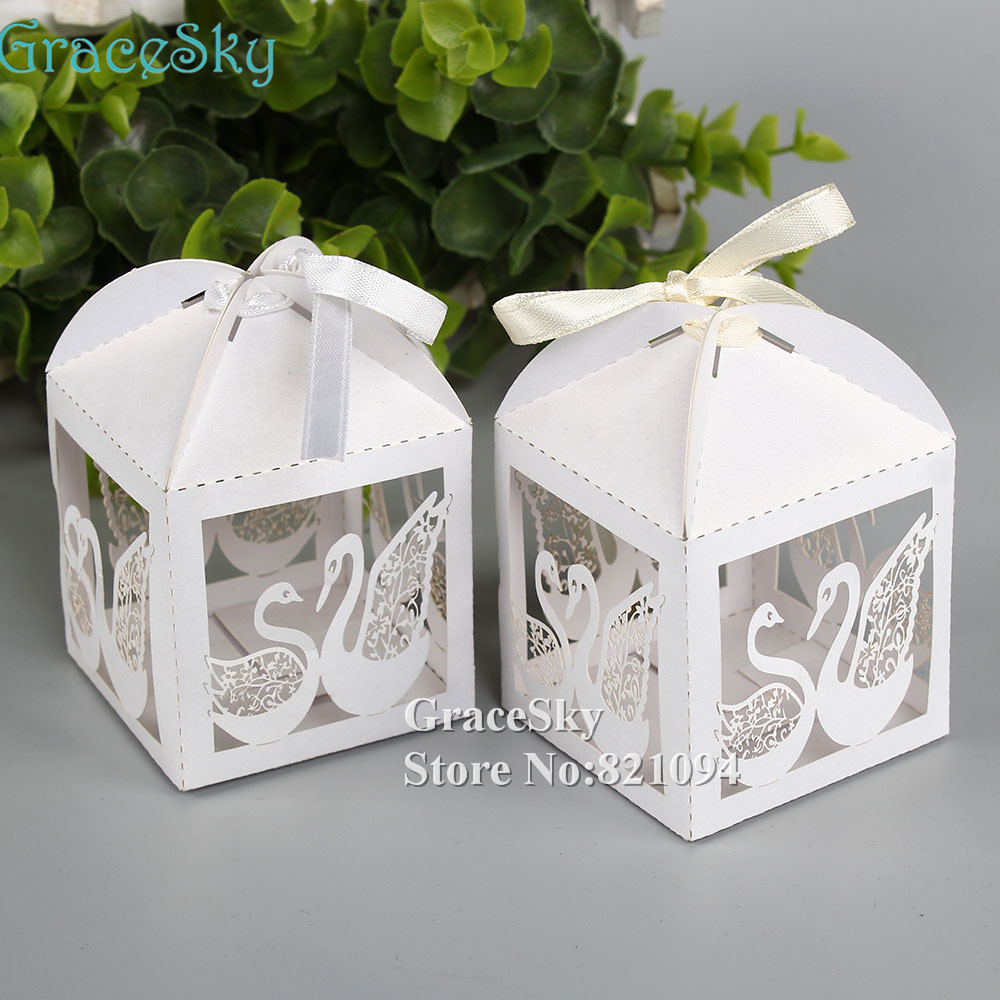 100pcs Laser Cut Paper Beautiful couple Swan design Candy Gift Favor ...