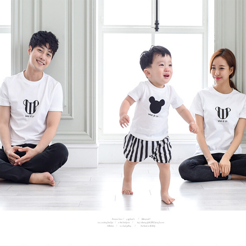 2016 family look matching mother daughter clothes mother father baby boy t shirt mickey mommy and me clothes father son outfits iPhone