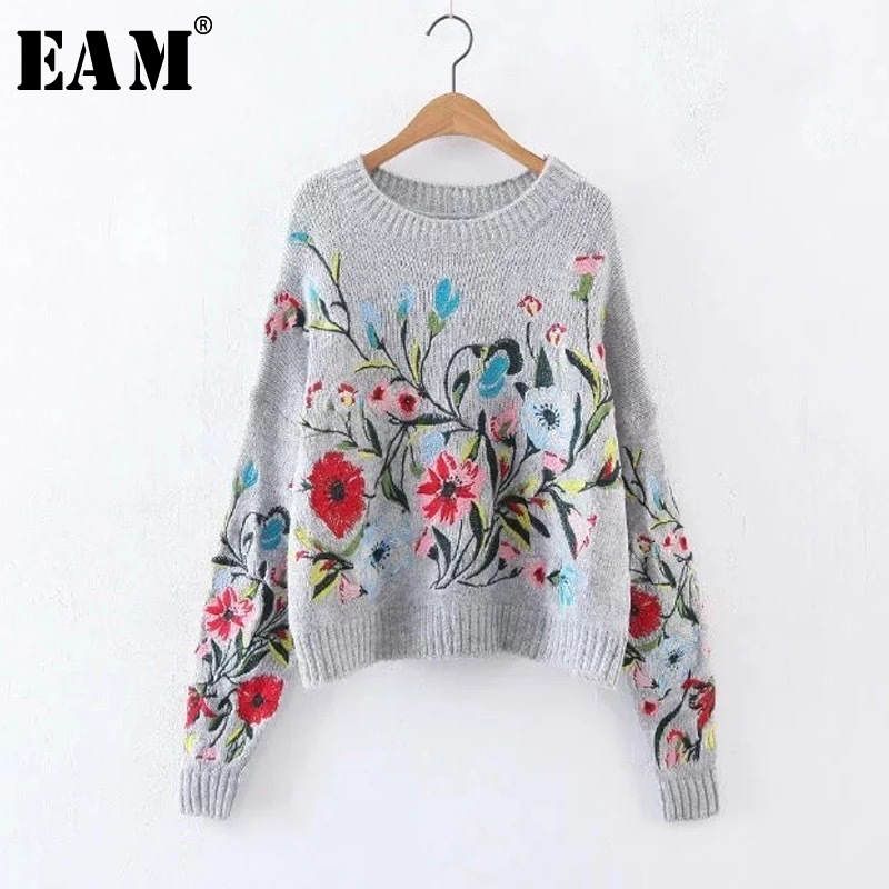 [EAM] 2019 Autumn Winter Round Neck Long Sleeve Flower Embroidered Gray Knitting Warm Loose Puffover Women Fashion Tide V74702