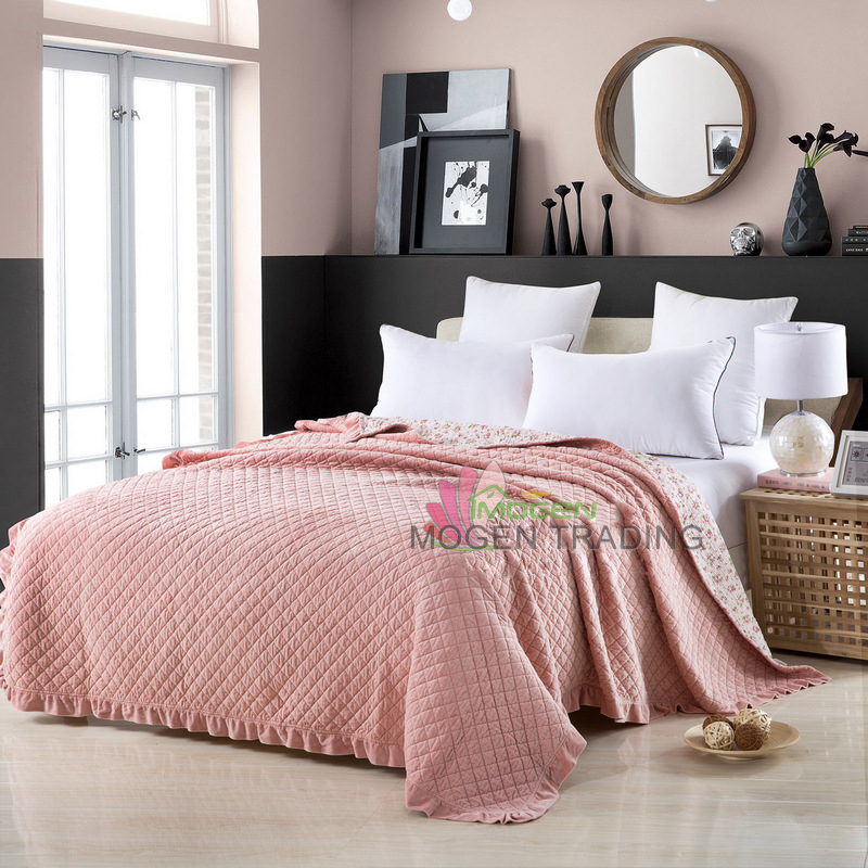 Coverlet Very Soft Cotton Quilt Solid Color Quilts 1 Piece Plush Bedspread Bed Cover Bedding Quilted Blanket Free ShippingCoverlet Very Soft Cotton Quilt Solid Color Quilts 1 Piece Plush Bedspread Bed Cover Bedding Quilted Blanket Free Shipping