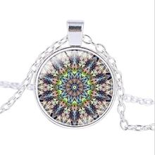 10pcs/lots European and American Fashion Rose Window Stained Glass Notre Dame de Paris Cathedral Religion Pendant Necklace T-03