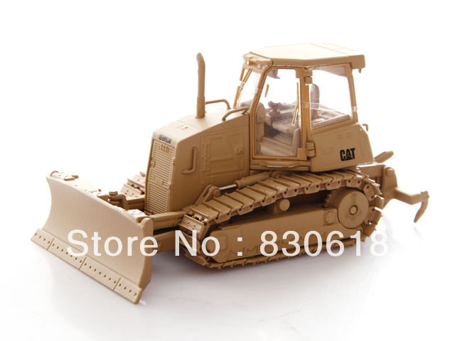 Norscot 55253 1/50 CAT Military D6K Track-Type Tractor Construction vehicles toy norscot 1 50 siecast model caterpillar cat ap655d asphalt paver 55227 construction vehicles toy