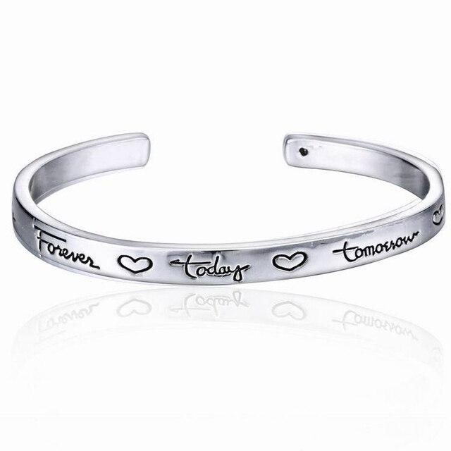 European American Style Amour Bracelet Sculpture Lettre Gravé Coeur Amitié  Couple Personnalité estampillé Bracelet de Manchette