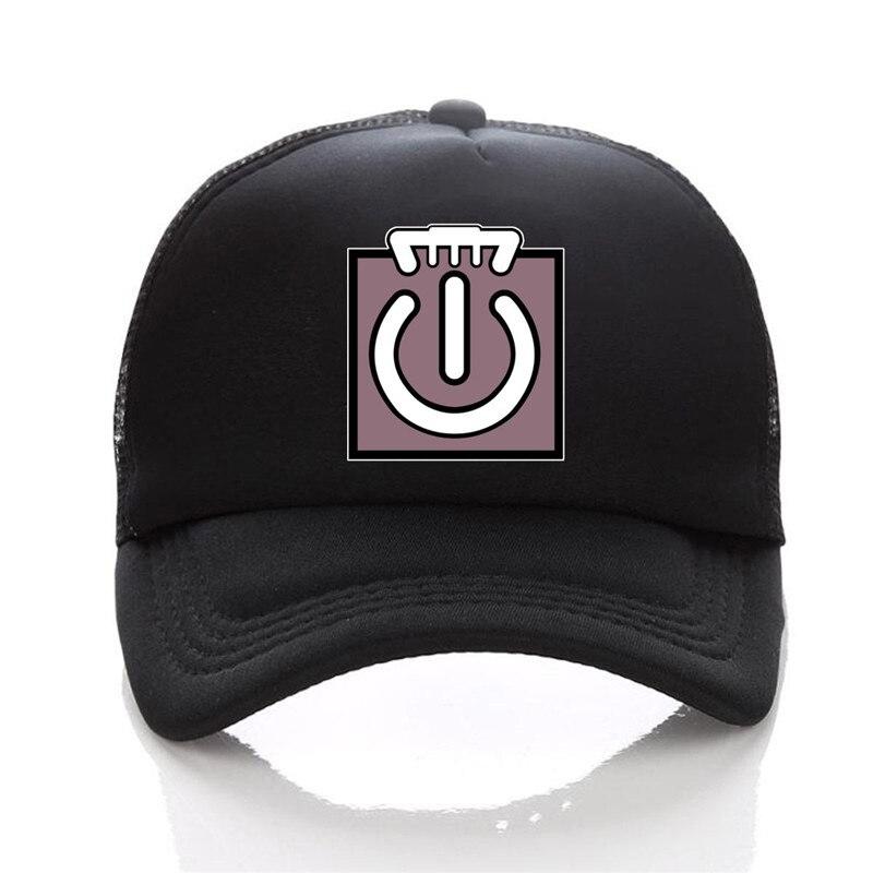 black trucker hat 08