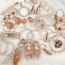 FASHIONSNOOPS nowy Sea Shell wisiorek kolczyki złote kolczyki oświadczenie dla kobiet wesela Party nieregularne geometryczne biżuteria prezent tanie tanio Ze stopu cynku Spadek kolczyki TRENDY Moda Shell Earrings Kobiety Pearl Symulowane perłowej Wysoka jakość A Pair of Earrings