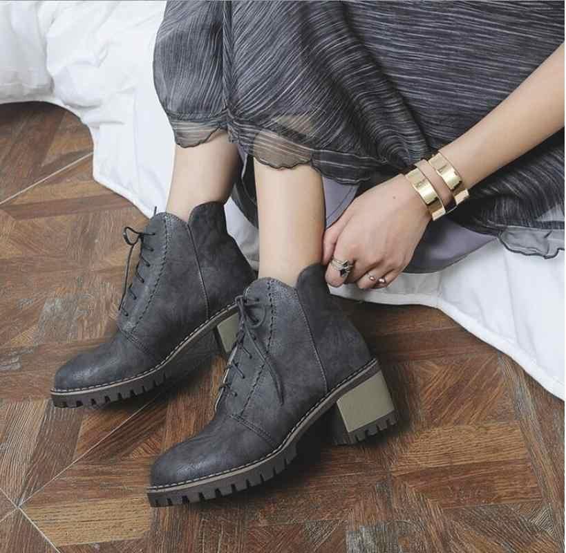 9c0c191b7 ... Botas de inverno novo estilo de moda das mulheres Sólida cabeça Redonda  Lace-up calcanhar ...