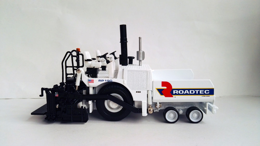 N 584374 1 50 Roadtec RP190 Paver toy