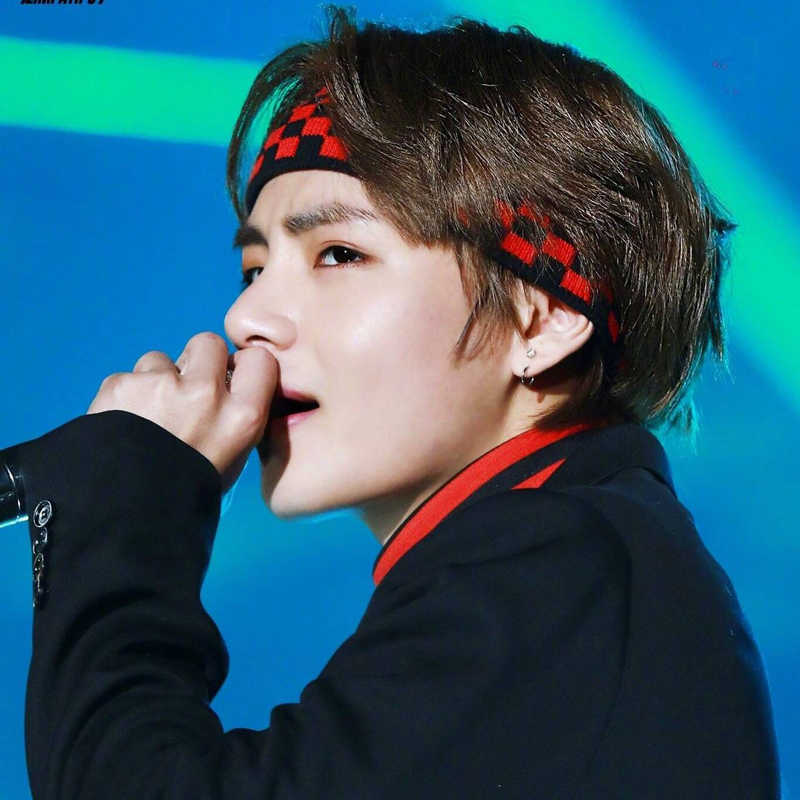 1 PC Kpop BTS V Kim Tae Hyung The Same Headband Plaid Elastic Hair Band  Korean Style Bangtan Boys ARMY Concert Headwear Fan Gift