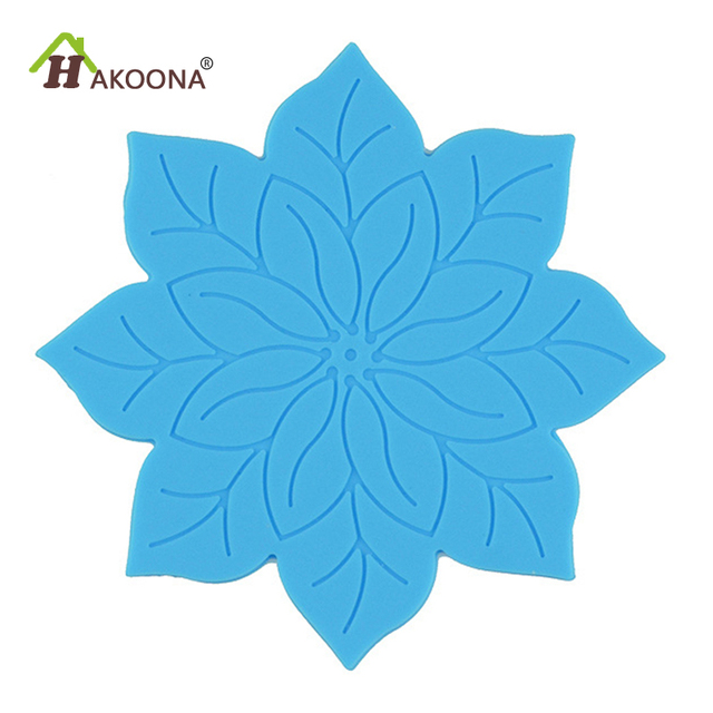 Hakoona Round 1010cm Lotus Flowers Pattern Silicone Table Plecemats