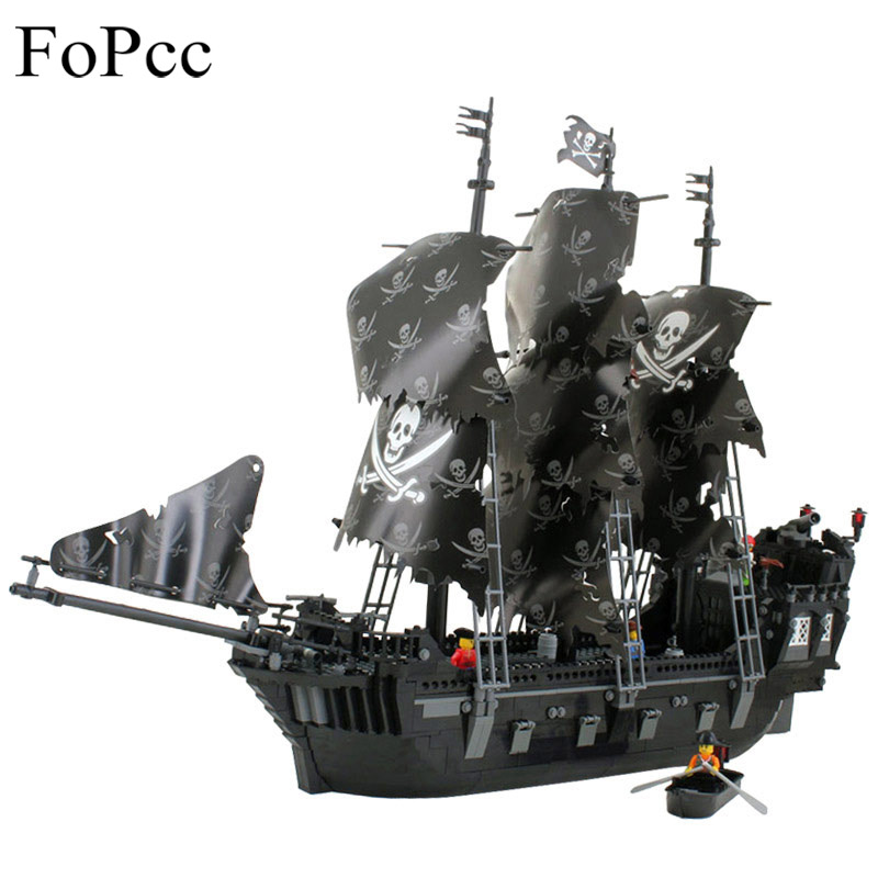 1184PCs Pirates Of The Caribbean Black General Black Pearl Ship Model Building Blocks Toys Jouet Enfant Legoings 87010 kazi 608pcs pirates armada flagship building blocks brinquedos caribbean warship sets the black pearl compatible with bricks