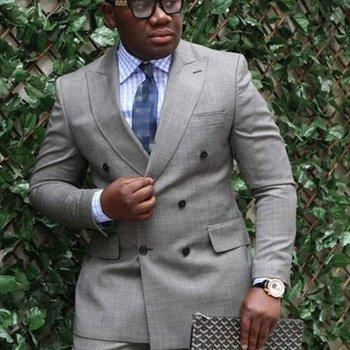 High Quality Double Breasted Light Grey Groom Tuxedos Peak Lapel Groomsmen Mens Wedding Suits Blazers (Jacket+Pants+Tie) W:651