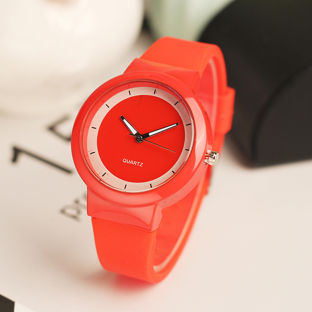 Simple style Classic Silicone students Quartz Watch Women Jelly wristwatch Lovers Casual Watch ladies casual Clock hours