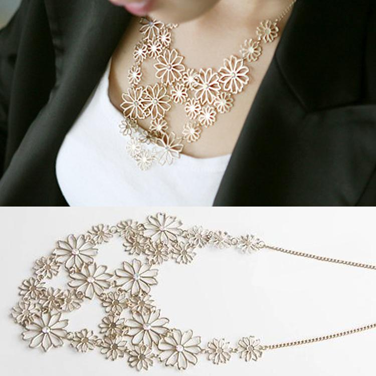 Fashion Elegant Women Rhinestone Flower Choker Bib Pendant Statement Necklace