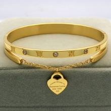 Design Luxury Brand Bracelet Women Hanging Heart Label Forev
