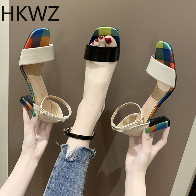 Brand new fashion wild color thick with high heels open toe word buckle with banquet party sexy patent leather sandals high7.5cm