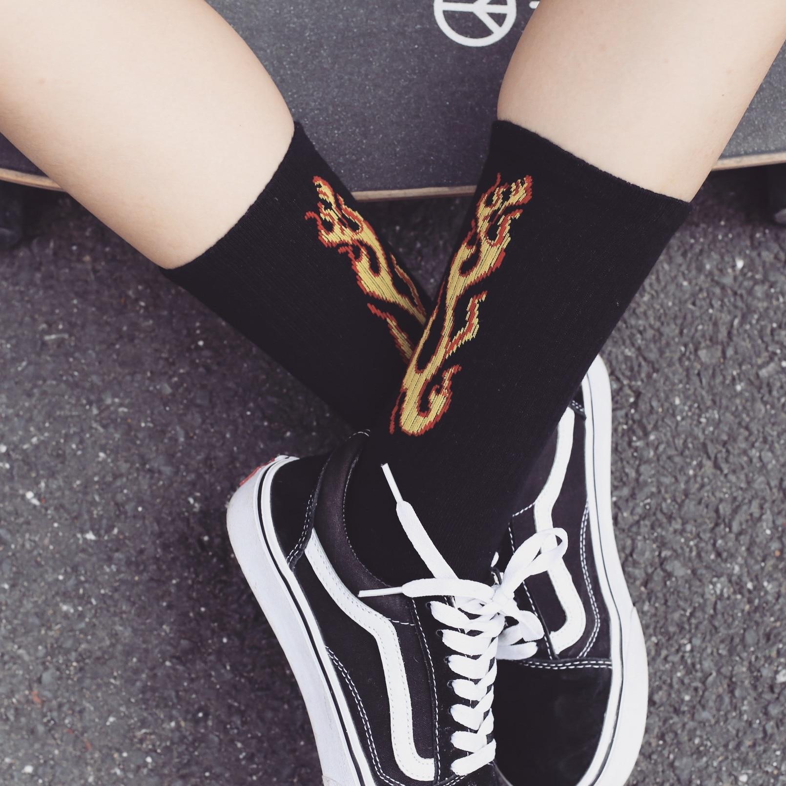 Men Fashion Hip Hop Hit Color On Fire Crew Socks Red Flame Blaze Power Torch Hot Warmth Street Skateboard Cotton Long Socks