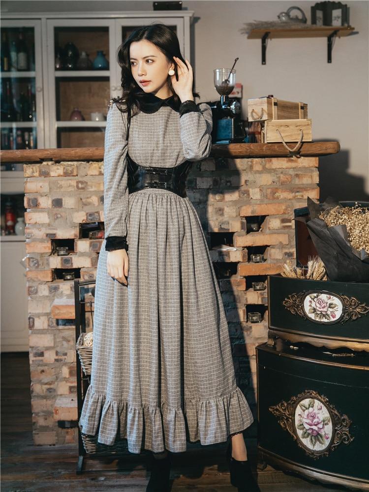 Vintage England Style Gray Plaid Long Dress Peter Pan Collar Elegant Lady Maxi  Dress Casual Winter Retro Boho Vestidos Faldas-in Dresses from Women s ... 9ea1ccc348b5