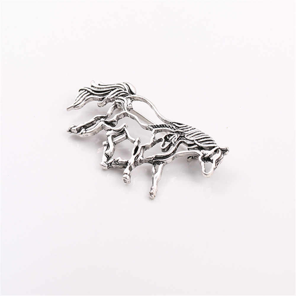 2019 الأزياء المتحدة جديد الجوف خارج الفضة القديمة اللون الحصان الإناث بروش حزمة الملابس زينة