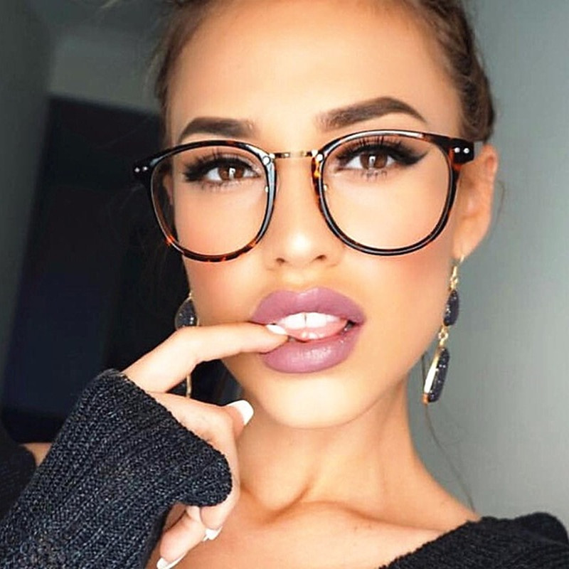 Nyaste Oversize Glasses Ramar Metal Leg Vintage Eyeglasses Frame Women Men Fake Plain Glasses Fashion Eyewear For Woman Man