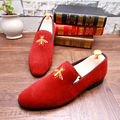 Hot Selling Men's Red Loafer Shoes Fashion Round Toe Slip On Suede Leather Casual Shoes Men Small Bee Embroidered Shoes 38-43