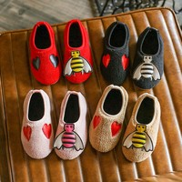 WEIXINBUY 2017 Heart And Bee Pattern Baby Soft Soled Flock Toddlers Baby Shoes Boys Girls Newborn