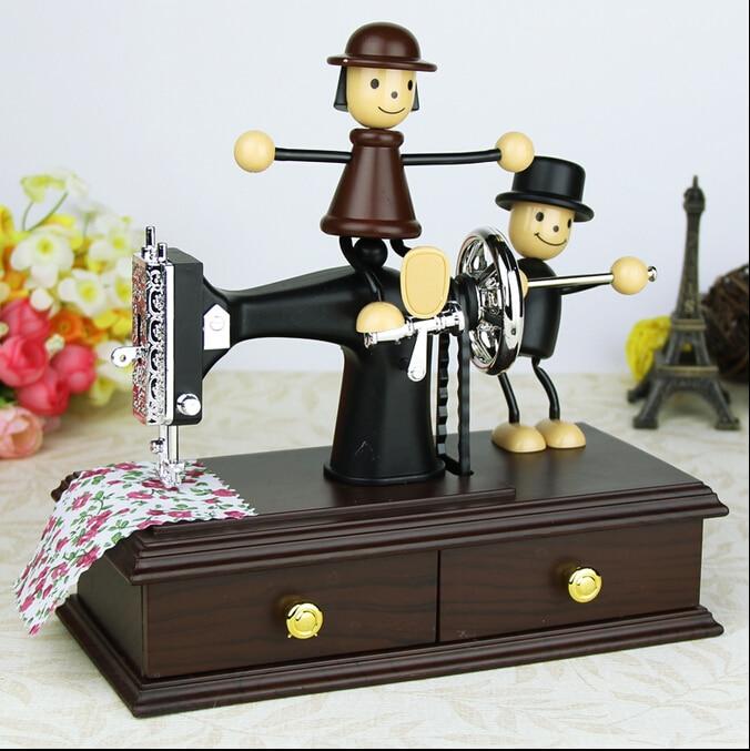 Retro Sewing Machine Style Mechanical Music Box Clockwork Toy Desktop Decoration Hand Crank Musical Box Birthday Valentine Gift